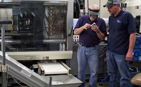 Running an injection mold press