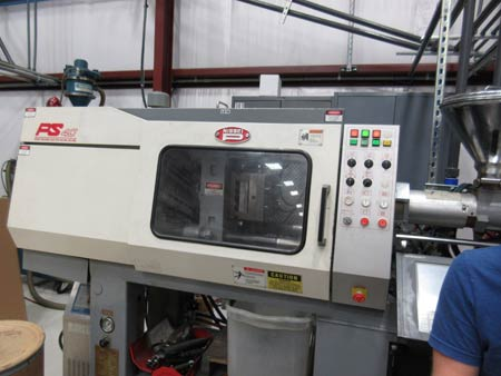 Nissei 40 Ton plastic injection molding machine with 1.2 oz shot capability