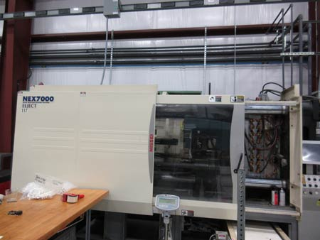 Nessei 7000 - 400 Ton Plastic Injection Molding Machine